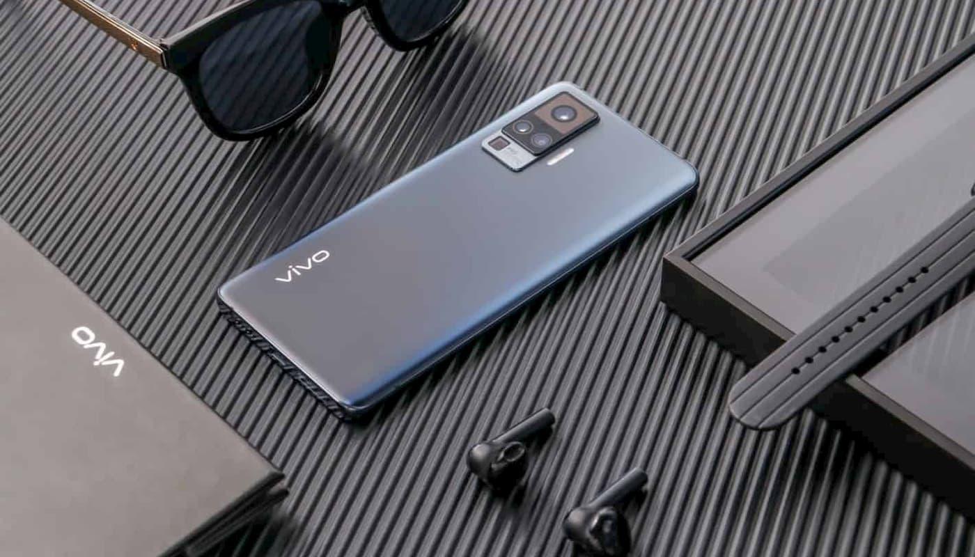 VIVO X50 Pro - lifestyle img
